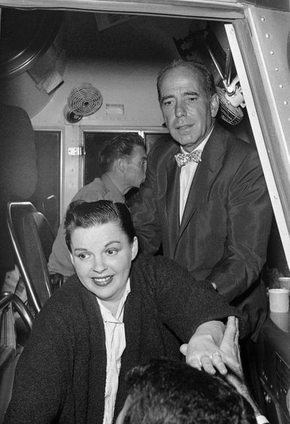 Humphrey Bogart and his chartered bus to see Judy Garland live in Long Beach 1955 (Judy's seen here in the pic)