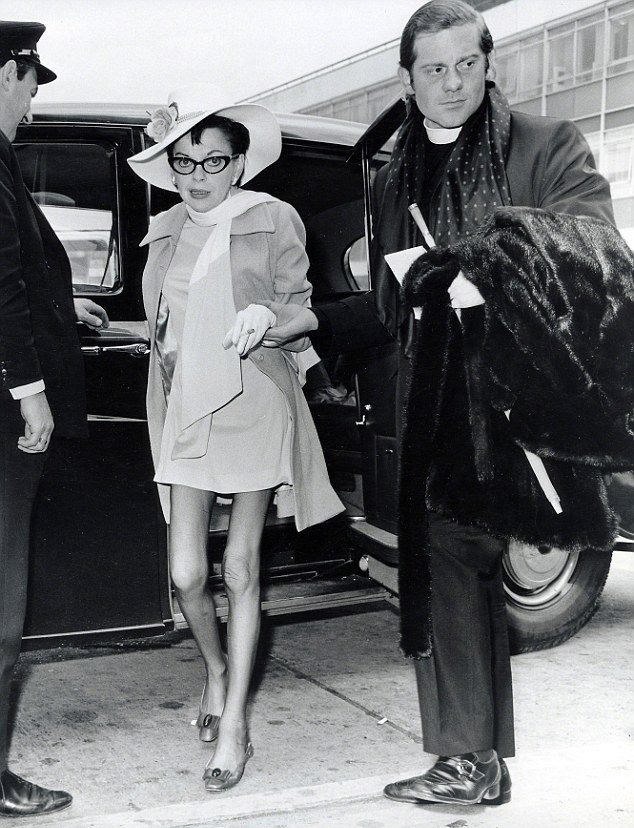Judy Garland on her way to New Yro May 21, 1969