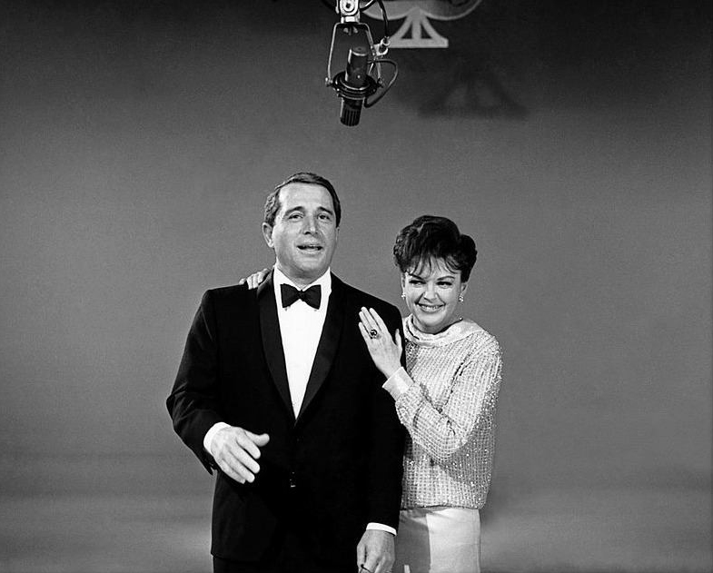 Judy Garland and Perry Como on the Kraft Music Hall 1966